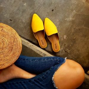 Shoes - 🆕️//The Brooklyn// yellow mule flat